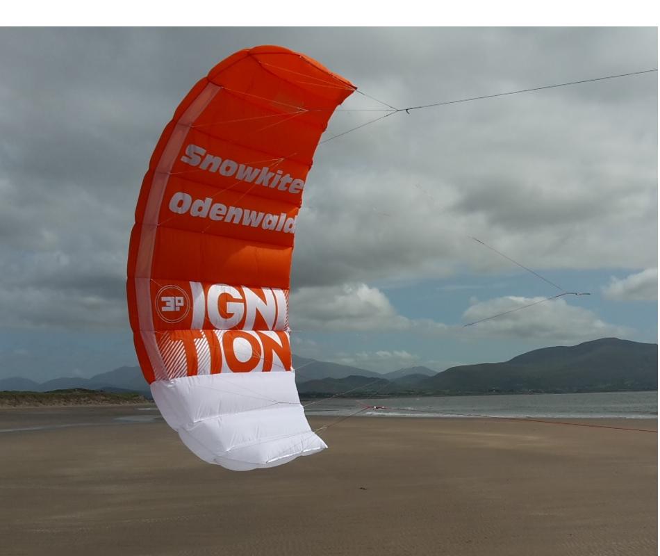 Das Bild zeigt den Ignition von Ozonekites. Es ist ein idealer Trainerkite für Beginner, um das Kiten zu Erlernen.