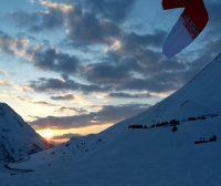 Besonders bei wenig Wind ist der Chrono von Ozonekites beim Snowkiten geeignet.