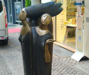 Snowkite Odenwald besucht Bozen. Auf dem Bild ist eine Statue zu sehen